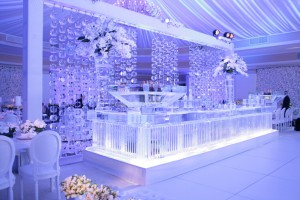 solid-ice-bar-with-vertical-texture-and-ice-curtain-backdrop